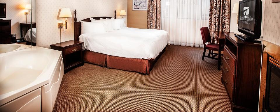 Niagara Falls Whirlpool Suite